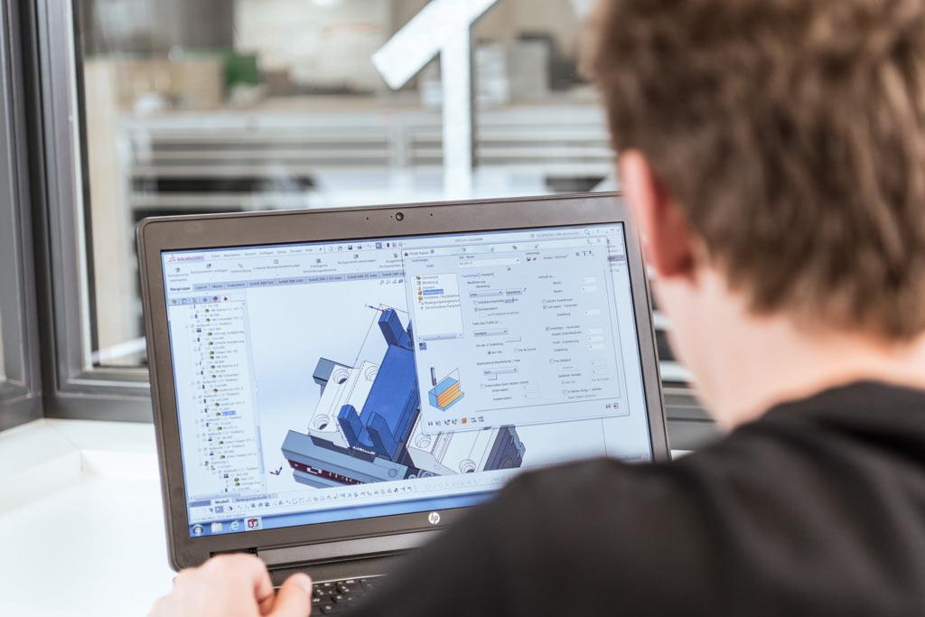 CAD-CAM Arbeitsplatz mit SolidCAM